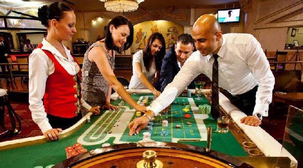 Фан казино – игра на фановую (игровую) валюту, в качестве которой могут быть как сувениры, так и шуточные призы